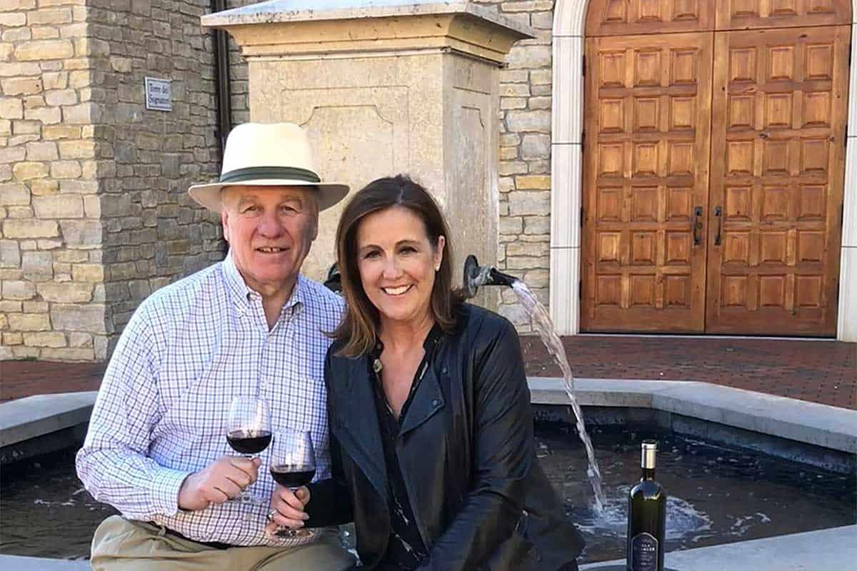 About Derick & Julie - Villa Bellezza Owners